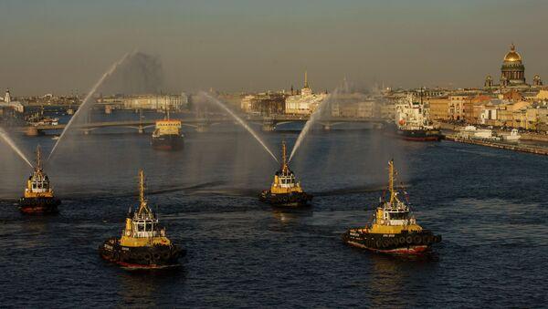 """Tiết mục Điệu valse  của tàu kéo"""" trong Lễ hội tàu phá băng trên sông Neva ở St Petersburg. - Sputnik Việt Nam"""