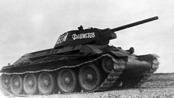Xe tăng Xô-viết T-34 được công nhận là xe tăng hạng trung tốt nhất của Thế chiến II. Trong ảnh - T-34 thế hệ đầu tiên, với pháo nòng ngắn cỡ nòng 76 mm. - Sputnik Việt Nam