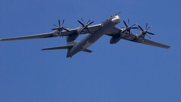 Các máy bay ném bom-tên lửa chiến lược Tu-95MS  - Sputnik Việt Nam