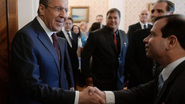 Bộ trưởng Ngoại giao Nga Sergei Lavrov tại cuộc gặp với nhóm năm anh hùng Cuba - Sputnik Việt Nam