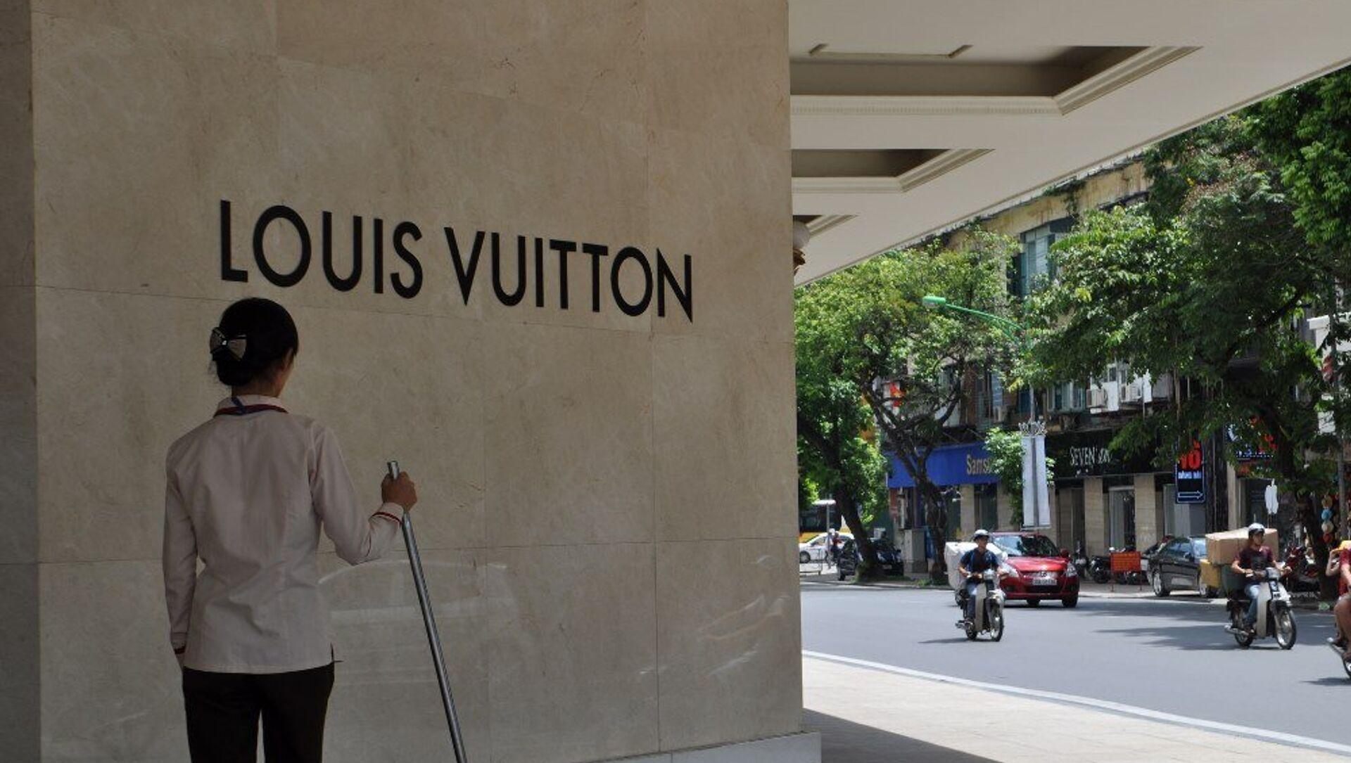 Một cửa hàng Louis Vuitton tại Việt Nam - Sputnik Việt Nam, 1920, 04.04.2021