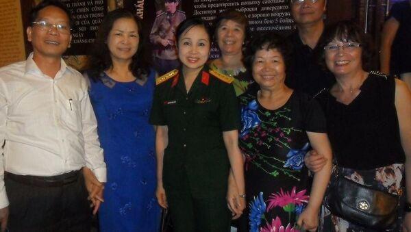 Cựu sinh viên trường Lipetsk kỷ niệm Ngày chiến thắng 9-5 như thế nào - Sputnik Việt Nam