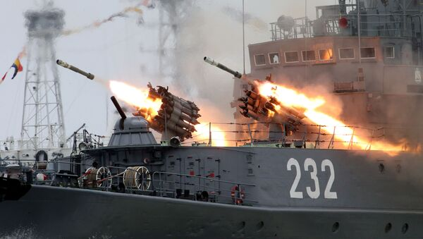 Diễn tập chuẩn bị cho diễu hành nhân ngày Hải quân Nga tại Baltiysk - Sputnik Việt Nam