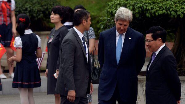 Ngoại trưởng Mỹ John Kerry tại cuộc gặp ở Hà Nội - Sputnik Việt Nam