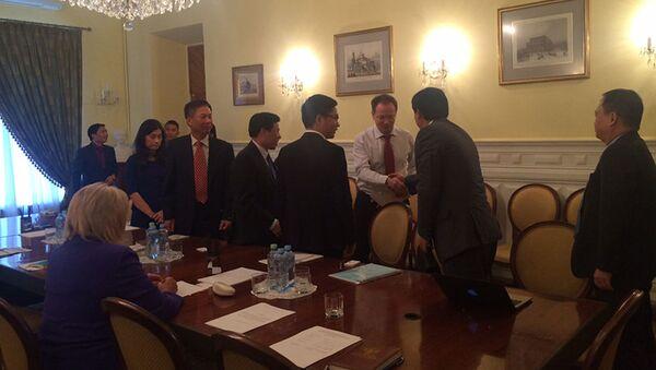 Cuộc gặp gỡ giữa Hai Bộ trưởng Bộ Văn hóa LB Nga và Việt Nam - Sputnik Việt Nam