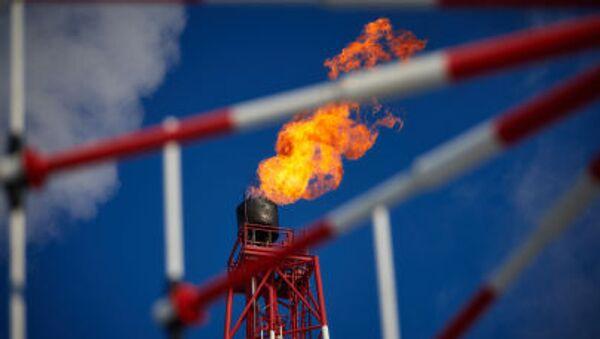 Khai thác dầu mỏ và khí đốt - Sputnik Việt Nam