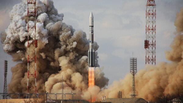 Tên lửa mang Proton-M được phóng từ Baikonur với vệ tinh viễn thông của Mỹ - Sputnik Việt Nam