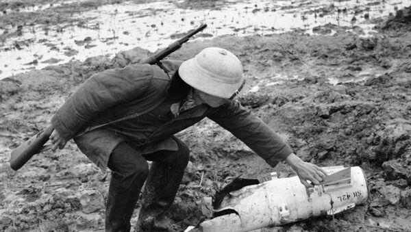 Tên lửa chống radar Shrike của không quân Mỹ - Sputnik Việt Nam
