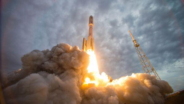 Tên lửa Atlas V - Sputnik Việt Nam