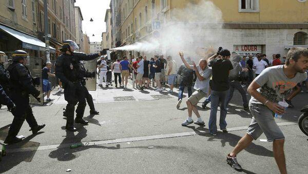 cuộc ẩu đả của fan bóng đá ở Marseille - Sputnik Việt Nam