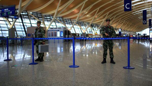 Cảnh sát ở sân bay Thượng Hải - Sputnik Việt Nam