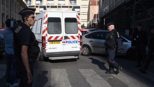 Pháp bỏ tù ba người Nga sau các vụ bạo loạn ở Marseille - Sputnik Việt Nam