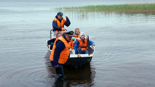 Hoạt động tìm kiếm cứu nạn ở khu vực hồ Syamozero ở Karelia - Sputnik Việt Nam