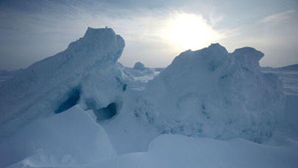 Những tảng băng gần trạm trôi Nga Bắc Cực-2015 - Sputnik Việt Nam