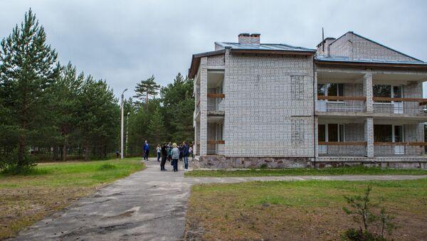 Một trong những khối nhà của Trại thiếu nhi Park-Hotel Syamozero ở Karelia - Sputnik Việt Nam