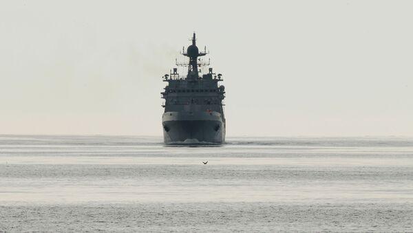 Tàu đổ bộ lớn Ivan Gren của Hải quân Nga cập cảng quân sự Baltiysk sau lần xuất cảng đầu tiên để thử nghiệm trên biển. - Sputnik Việt Nam