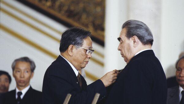 Leonid Brezhnev và Lê Duẩn - Sputnik Việt Nam