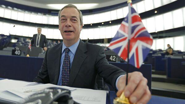 Người đứng đầu đảng Độc lập của Anh (UKIP)  Nigel Farage - Sputnik Việt Nam