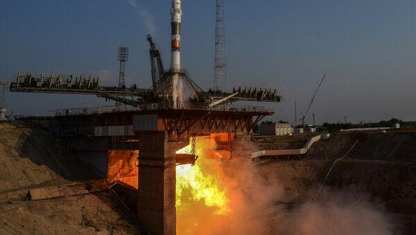 Phi hành đoàn bay lên trạm ISS lần đầu tiên bằng con tàu vũ trụ seri mới Soyuz MS - Sputnik Việt Nam