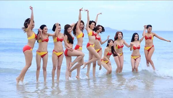 Dàn mẫu The Face Việt Nam đọ dáng sexy với bikini (Video) - Sputnik Việt Nam