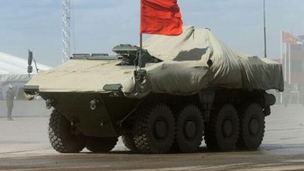 """Xe bọc thép bánh lốp BTR hạng trung """"Boomerang"""" """" trong thời gian diễn tập Duyệt binh mừng Chiến thắng ở ngoại ô Matxcơva - Sputnik Việt Nam"""