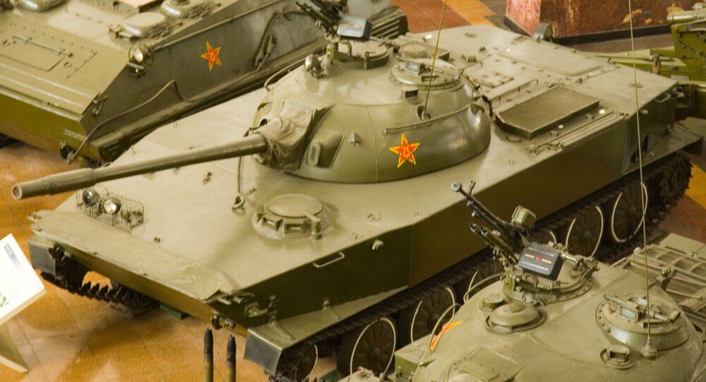 Китайский плавающий танк WZ-211 (Тип 63) в экспозиции Военного музея в Пекине
