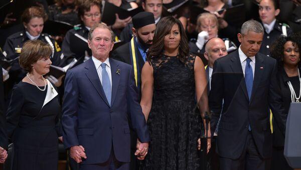 Cựu Tổng thống Bush nhảy tại đám tang cho người chết ở Dallas - Sputnik Việt Nam