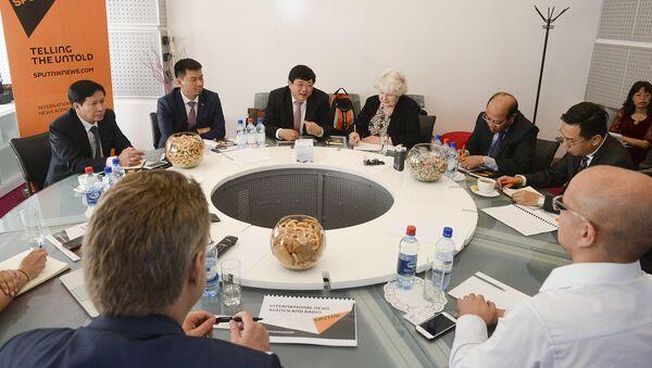 Phái đoàn đại biểu của Đài Tiếng nói Việt Nam, do Tổng Giám đốc Nguyễn Thế Kỷ, Ủy viên BCH TƯ đảng Cộng sản Việt Nam, đã tới Matxcơva - Sputnik Việt Nam