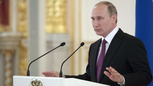 Президент России Владимир Путин выступает на встрече в Кремле с членами олимпийской сборной России  - Sputnik Việt Nam