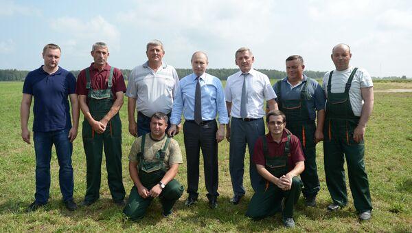 Chuyến thăm làm việc của Tổng thống Nga Vladimir Putin tại vùng Tver. - Sputnik Việt Nam
