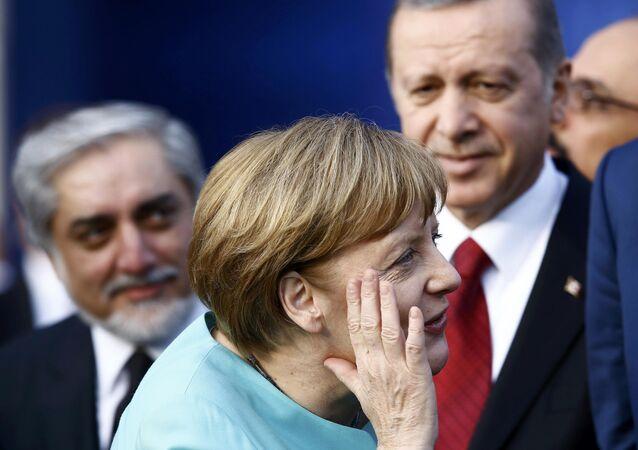 Recep Tayyip Erdogan và Angela Merkel