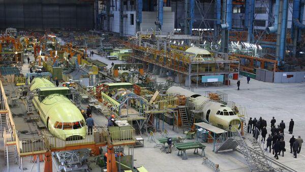 """Nhà máy chế tạo máy bay của công ty """"Antonov"""" ở Ukraina - Sputnik Việt Nam"""