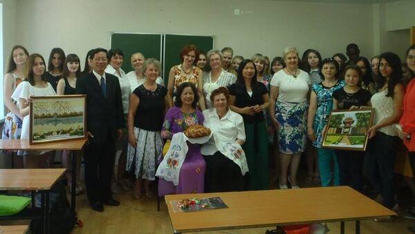 Trường Đai học Tổng hợp Sư phạm Quốc gia Lipetsk đón tiếp cựu sinh viên về thăm trường cũ - Sputnik Việt Nam