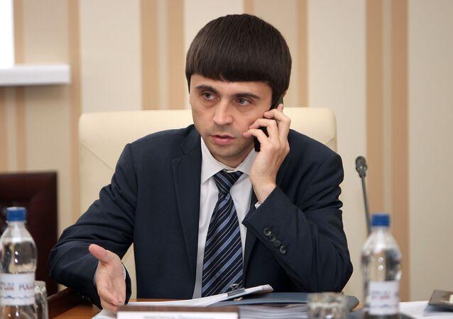 Phó Thủ tướng của chính phủ Crưm Ruslan Balbec