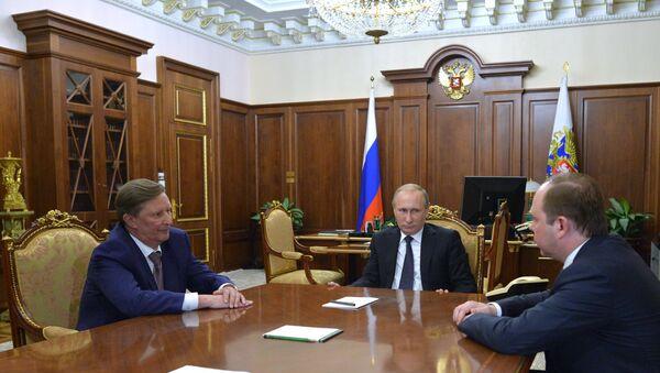 Tổng thống Vladimir Putin gặp ông Sergei Ivanov và ông Anton Vaino - Sputnik Việt Nam
