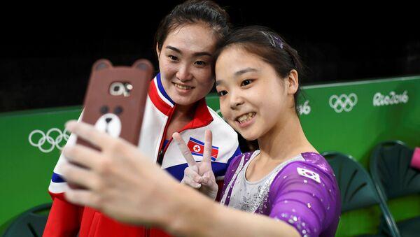 Hong Un Jong từ CHDCND Triều Tiên và Lee Eun Ju từ Hàn Quốc - Sputnik Việt Nam