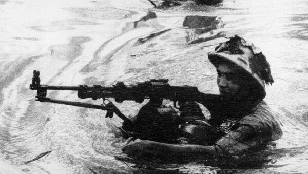 Những người lính vượt sông trong Chiến tranh Việt Nam - Sputnik Việt Nam