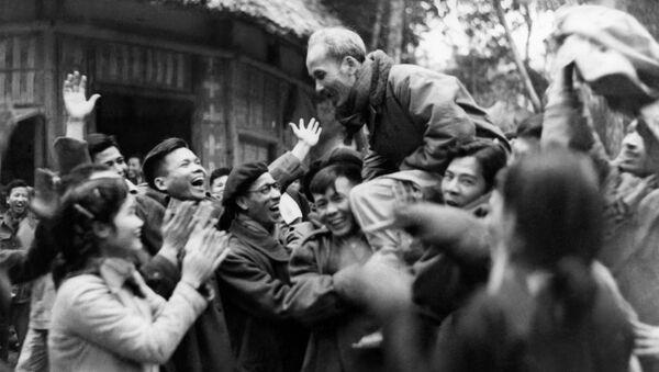 Hồ Chí Minh, lãnh tụ của Đảng Cộng sản Việt Nam, năm 1951 - Sputnik Việt Nam
