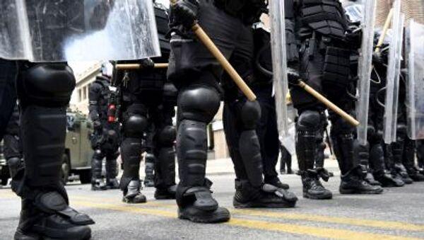 Các nhân viên cảnh sát trên đường phố Baltimore - Sputnik Việt Nam