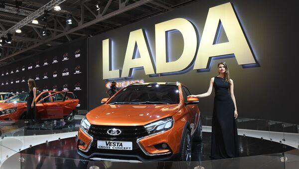Xe LADA Vesta tại Triễn lãm xe hơi quốc tế Matxcơva 2016 - Sputnik Việt Nam