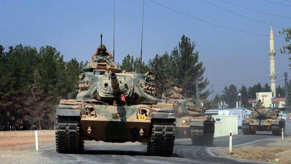 Xe tăng Thổ Nhĩ Kỳ trong khu vực biên giới với Syria - Sputnik Việt Nam