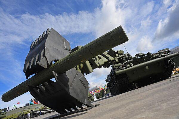 """Xe kỹ thuật IMR-3 (IMR-3M) tại Diễn đàn quốc tế về kỹ thuật-quân sự  """"Quân đội-2016"""" - Sputnik Việt Nam"""