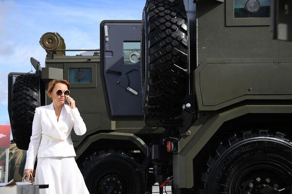 """Xe quân sự trưng bày trong triển lãm tại Diễn đàn quốc tế về kỹ thuật-quân sự  """"Quân đội-2016"""" - Sputnik Việt Nam"""