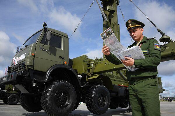 """Dàn radar cơ động  phối hợp ba chiều tầm cao nhỏ Podlet-K1"""" trong Diễn đàn quốc tế về kỹ thuật-quân sự  """"Quân đội-2016"""" - Sputnik Việt Nam"""