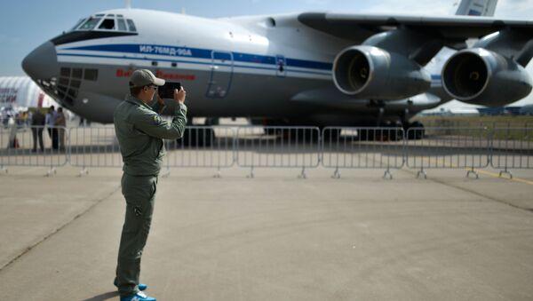Máy bay Nga Il-76MD-90A - Sputnik Việt Nam
