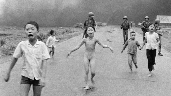 Em bé napalm - Sputnik Việt Nam