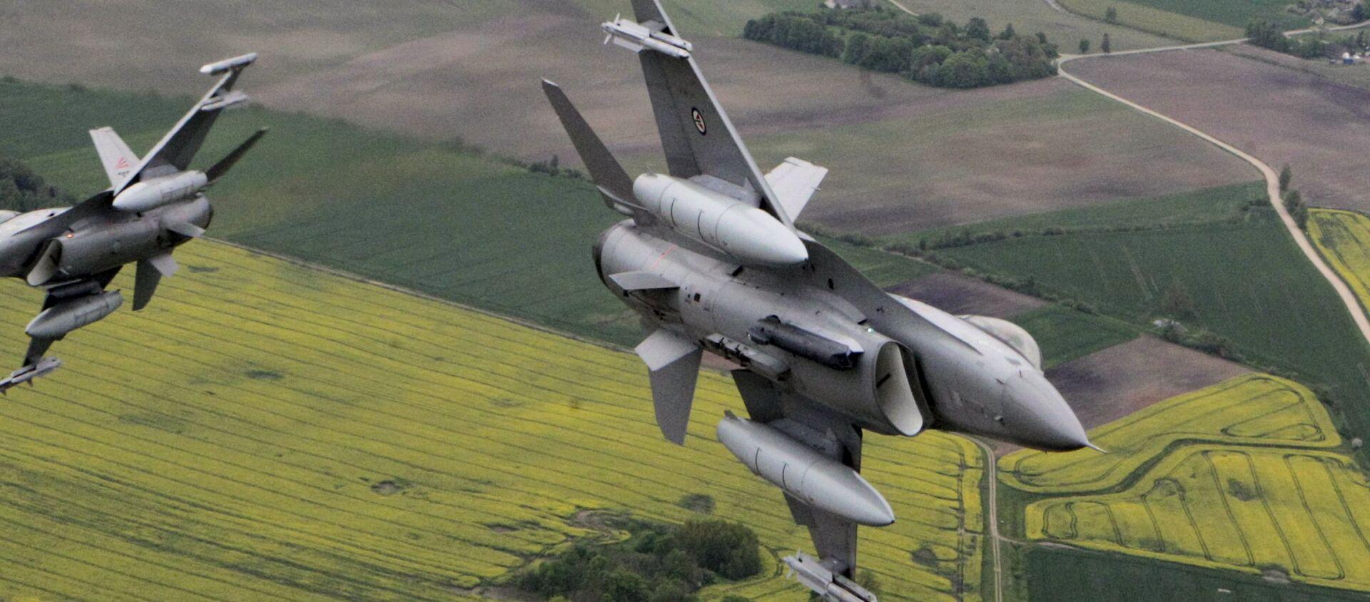 Máy bay chiến đấu F-16 Fighting Falcon. - Sputnik Việt Nam, 1920, 02.05.2021