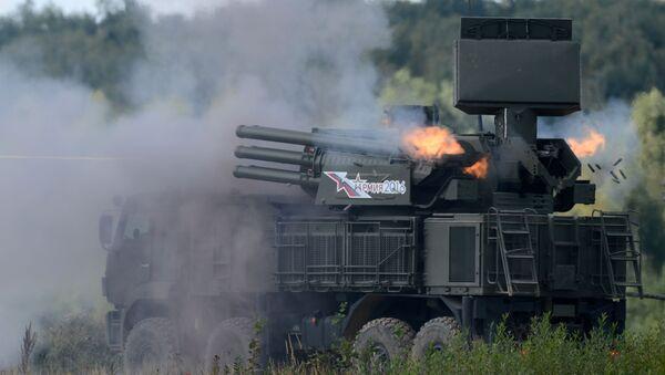 Tổ hợp tên lửa-pháo phòng không 96K6 Pantshir-S1 trong thời gian trình diễn huấn luyện trên thao trường Alabino tại Diễn đàn quân sự-kỹ thuật quốc tế Quân đội-2016 - Sputnik Việt Nam