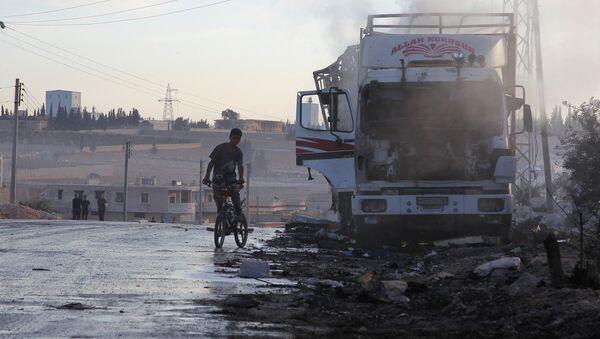 đoàn xe nhân đạo của Liên Hợp Quốc ở vùng ngoại ô phía tây-nam Aleppo - Sputnik Việt Nam