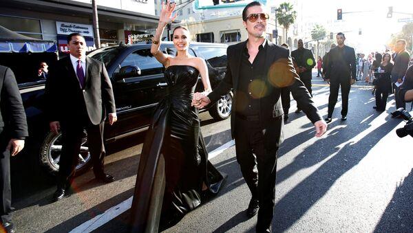 Các diễn viên Mỹ Angelina Jolie và Brad Pitt - Sputnik Việt Nam